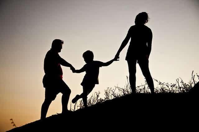 Ein unbeschwertes Familienleben ist für viele Deutsche besonders wichtig - doch was tun, wenn die Finanzen hier einen Strich durch die Rechnung machen?